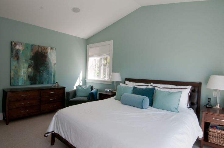 Gorgeous bedroom with Wythe Blue painted walls.