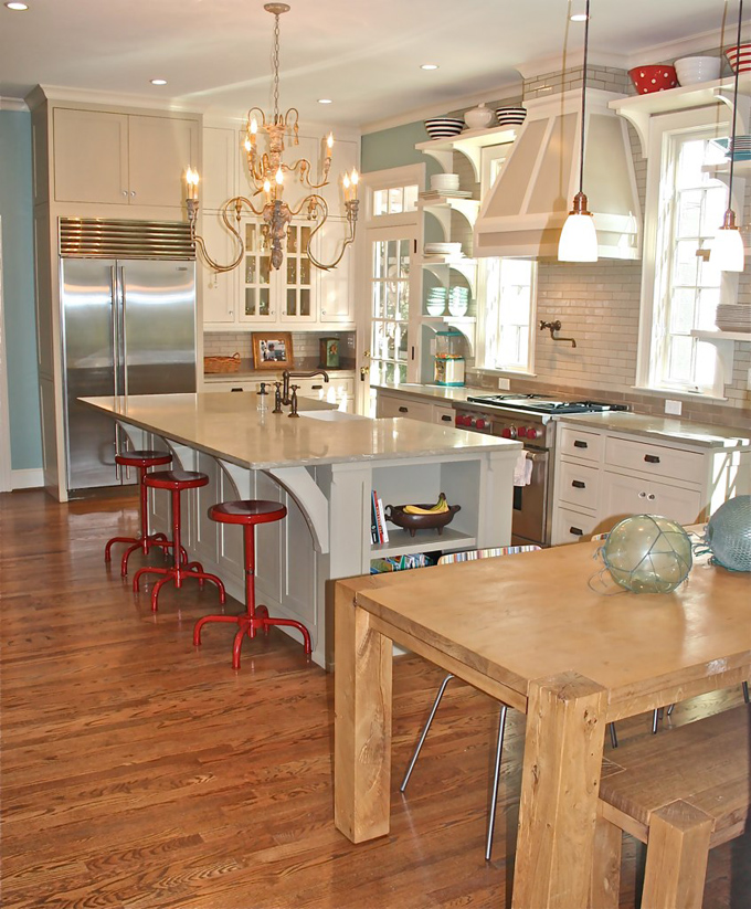 Gorgeous Wythe Blue kitchen with pops of red.