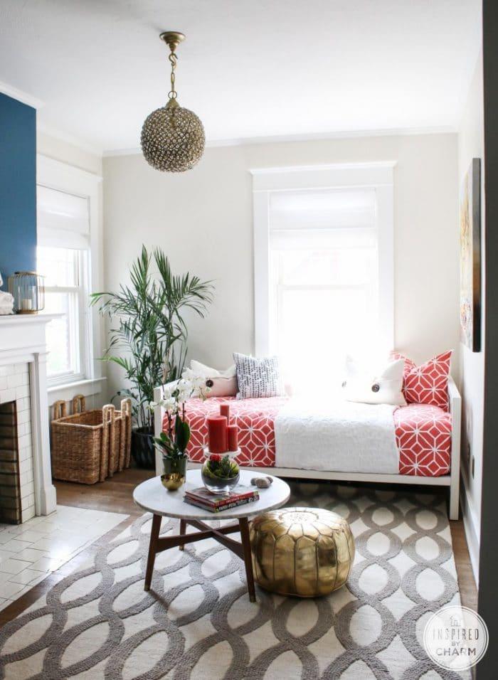 Sherwin Williams Shoji White bedroom